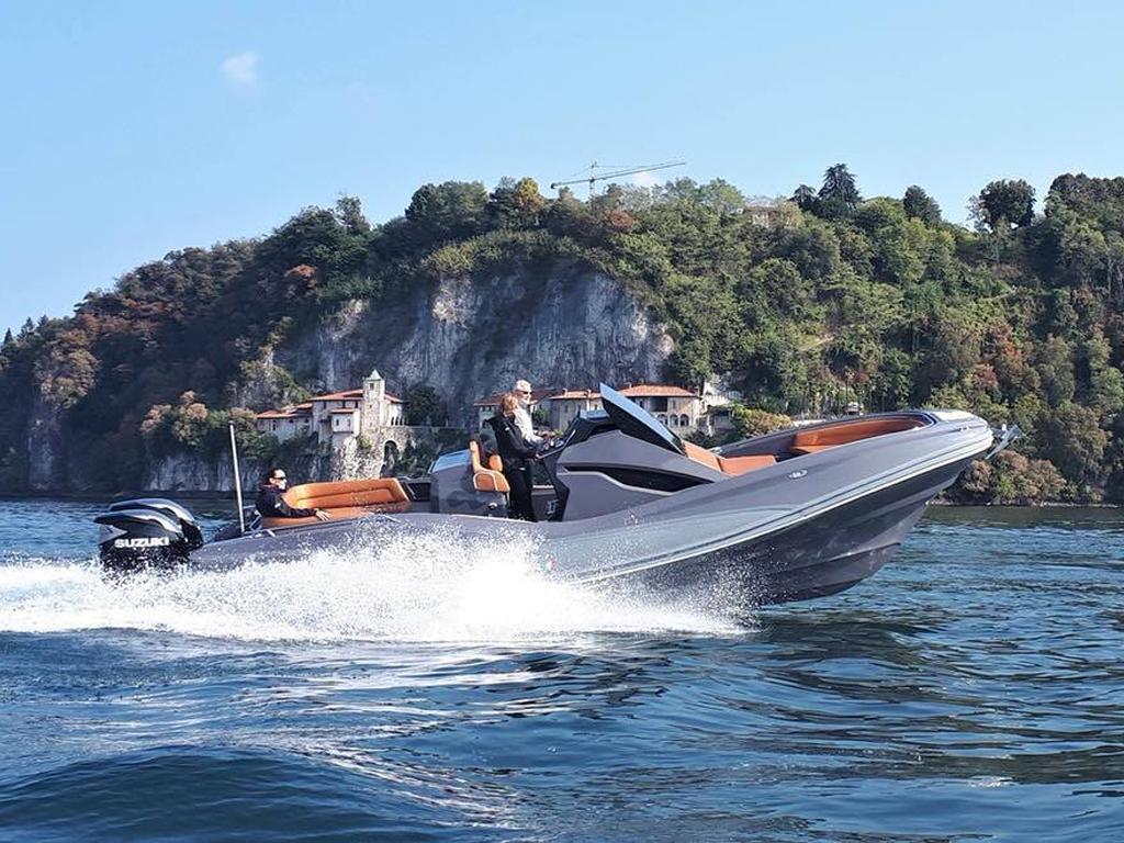 ZAR 95 Sport Luxury auf dem Lago Maggiore auf dem Lago Magiore