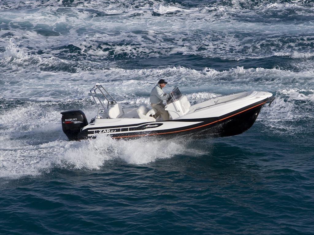 ZAR 61 in Fahrt auf dem Meer