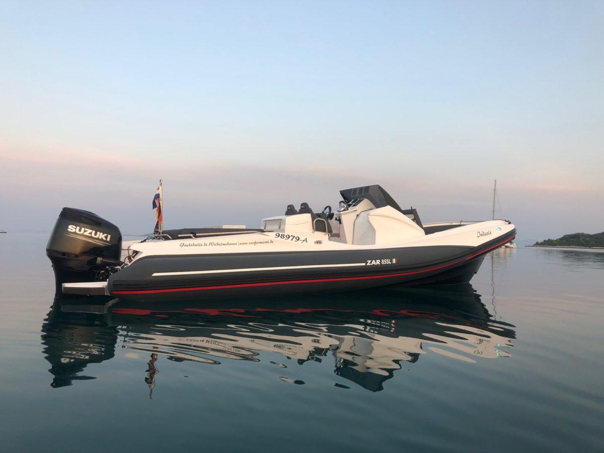 ZAR 85 SL in ruhigem Wasser